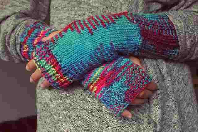 hands-1032312