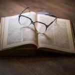 50代からのメガネ選びは慎重に。デザインばかりに気をとられないで、快適な見え方にこだわろう!